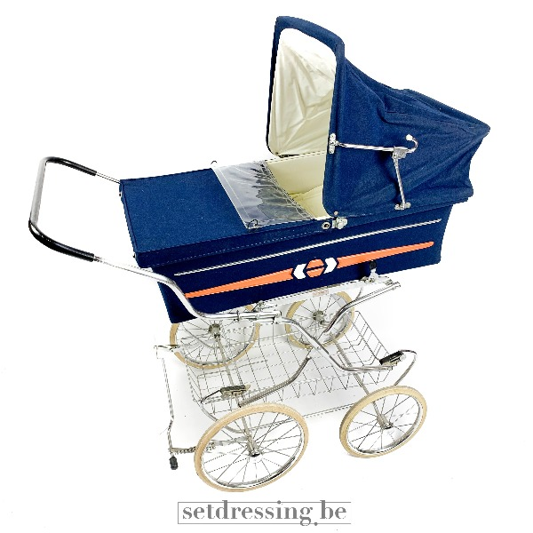 Vintage buggy baby blauw